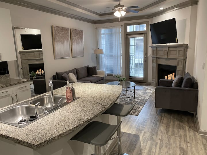 STYLISH 1 BEDROOM MINUTES FROM BUCKHEAD & MIDTOWN
