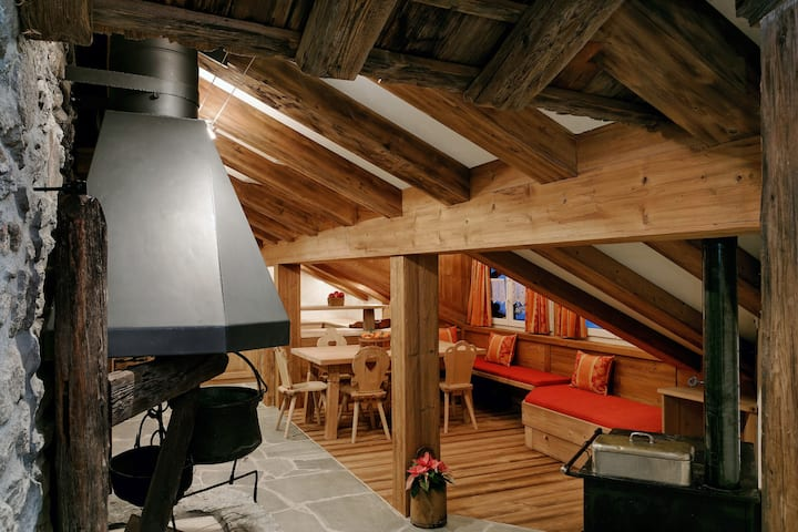 Rooftop Family Suite in Grächen