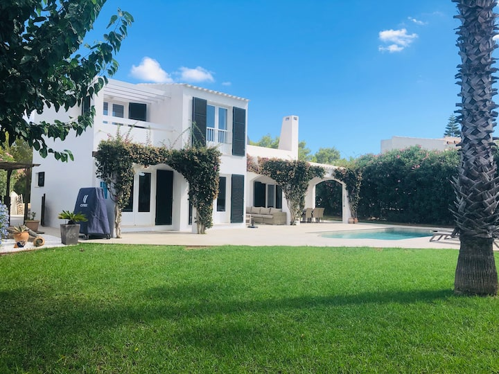Beautiful Villa with Private Pool and Garden