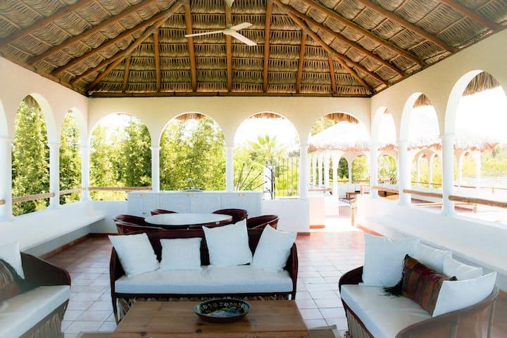 Ocean Lodge in Huerta El Tecolote, Todos Santos - Todos Santos - บ้าน