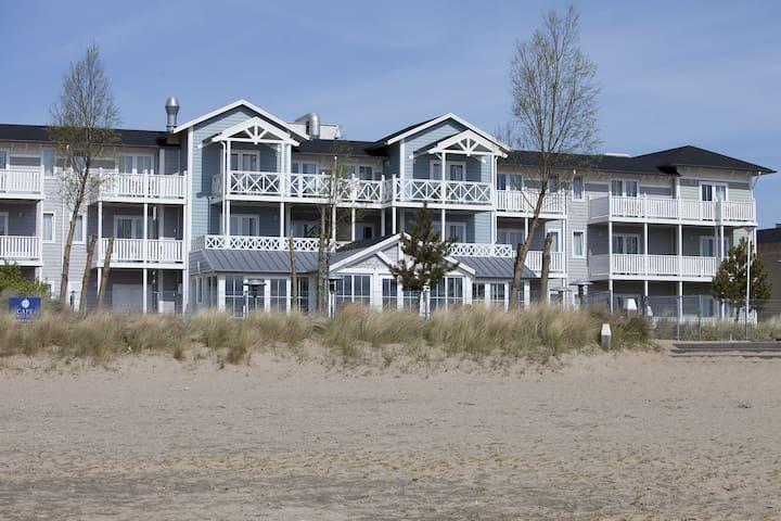 Komfortables Hotelzimmer mit Meerblick, nahe dem Strand