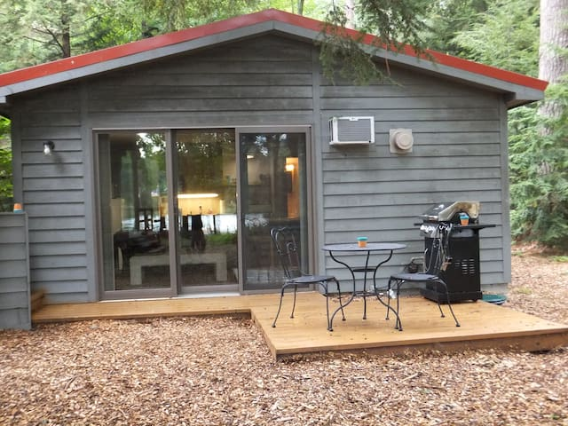 Alden - Thayer Lake - Charming Studio Cottage