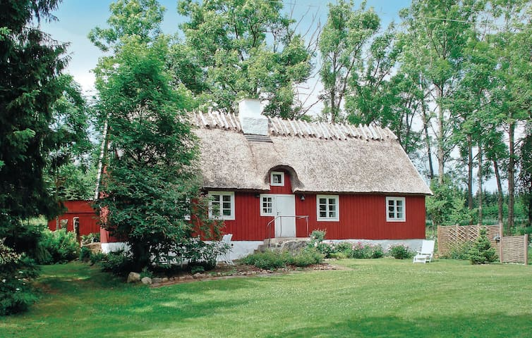 Holiday cottage with 2 bedrooms on 79m² in Linderöd
