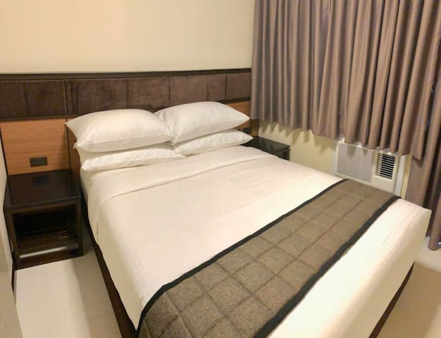 Solemare Parksuites Tower B near Mall of Asia (10)