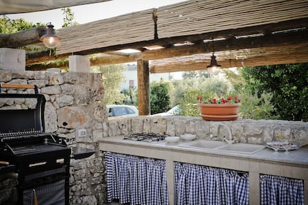 COZY AND CHARMING TRULLO HOUSE - Coreggia