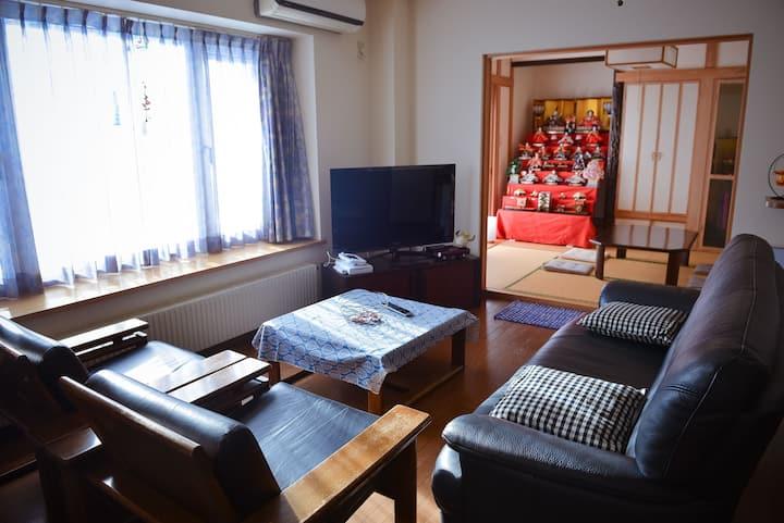札幌市中心的双层别墅 《整栋出租》 带锁独立房间 3客房 最大入住7位  步行3分到达地铁菊水站