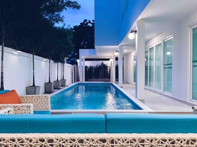 VIP Pool Villa Pattaya 5BR奢华海边泳池别墅/一卧一风格/夜市/沙滩/步行街