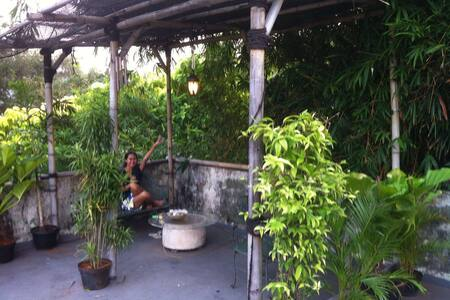 Green & spacious apt with fast wifi - Jakarta Selatan - Apartment