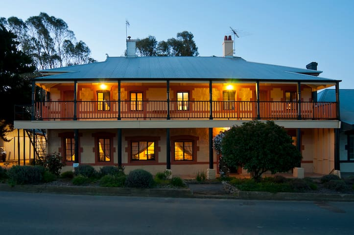 The Coffee Palace - Historic Barossa Home.