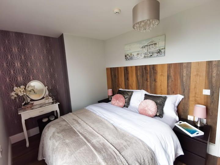 Sunrise View 5* 1 Bed Apartment Sleeps 4 Spa Bath