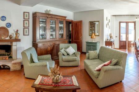 Accogliente e spazioso appartamento - Castelnuovo di Garfagnana