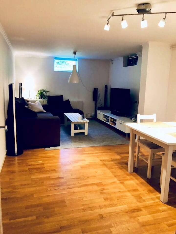 Apartment in villa, close to the ocean & Göteborg
