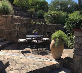 Studio 25 m2 dans villa en rez de jardin, terrasse - Mandelieu-la-Napoule - 其它