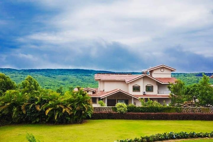 LUXURY VILLAS(4BHK) DISINFECTED BEFORE EVERY STAY