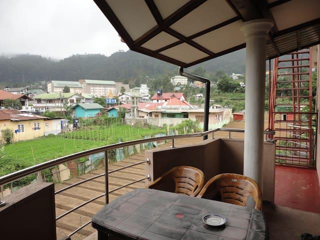 Thuvaraga Inn
