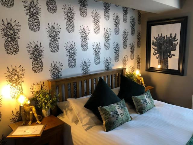 The Wheatsheaf Inn Room 2
