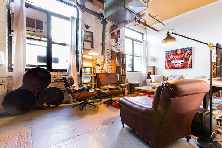 Huge, One of A Kind, Artsy Loft in Greenpoint