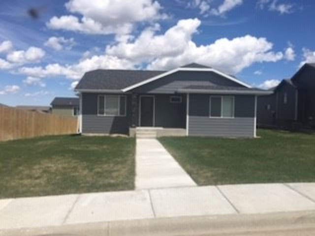 New Private Home - Easy on/Easy off I90