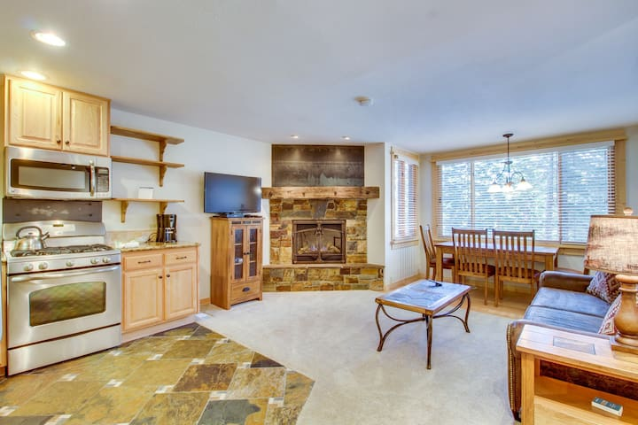 Ski condo with shuttle access & shared sauna, hot tub, pool, and rec center!