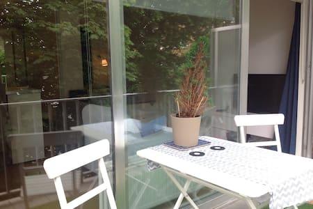 Lumineux studio 40m2 + terrasse - 斯哈尔贝克 - 公寓