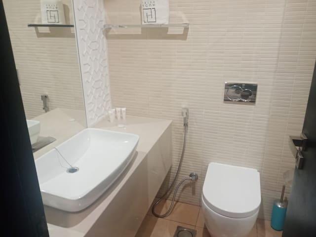 Stunning 1 bedroom Suite with Designer Interior D5