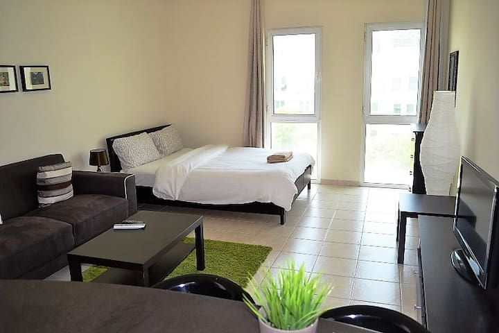 Fully Furnished Studio Apt. in Discovery Garden