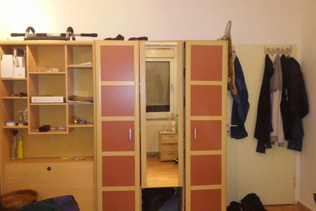 wardrobe/closet
