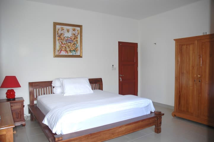 Vicky room 1-3 <20m2> 3***; large bed ; terrace