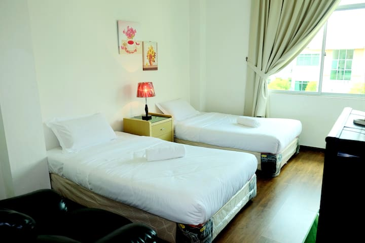 Natol Motel - Kuching (Twin Room)