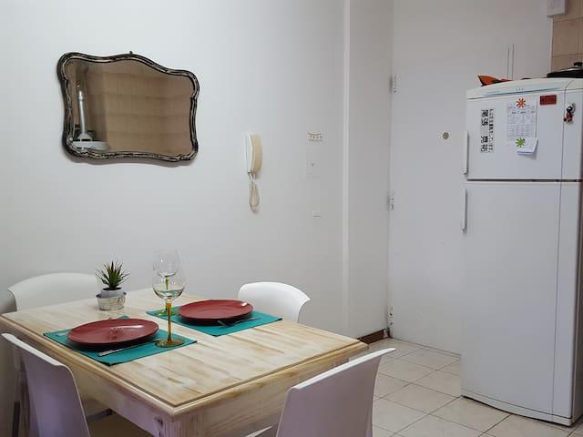 Excelente monoambiente en el centro de Neuquén - Neuquén - Apartmen