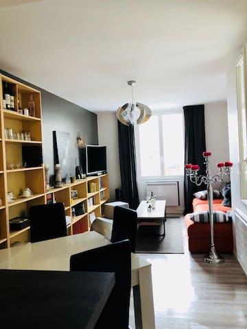 Appartement T2, centre de Tours, moderne et calme