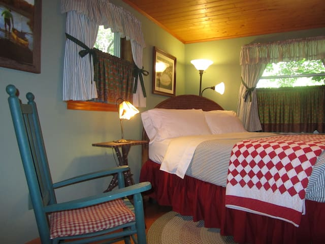 Cottage at Colonial Pines Inn B&B - Highlands - Leilighet