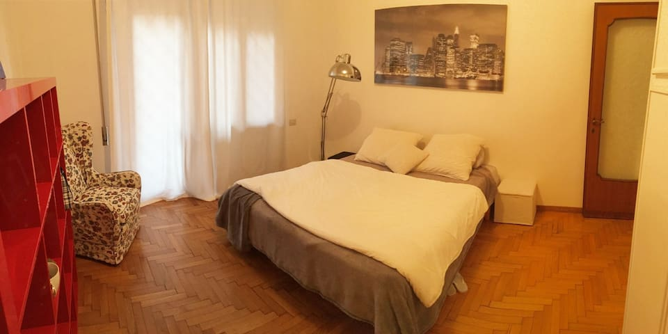 Ponte Milvio Apt Sparkling Clean Home Is ALL 4 You