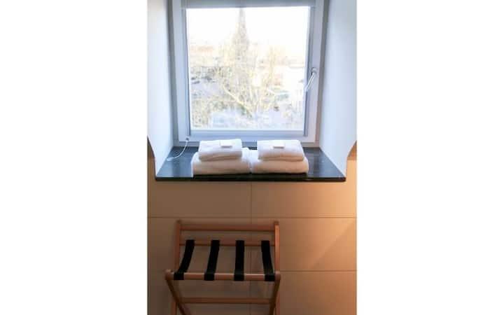 Zolderverdieping met ontbijt in villa in het centrum van Valkenburg