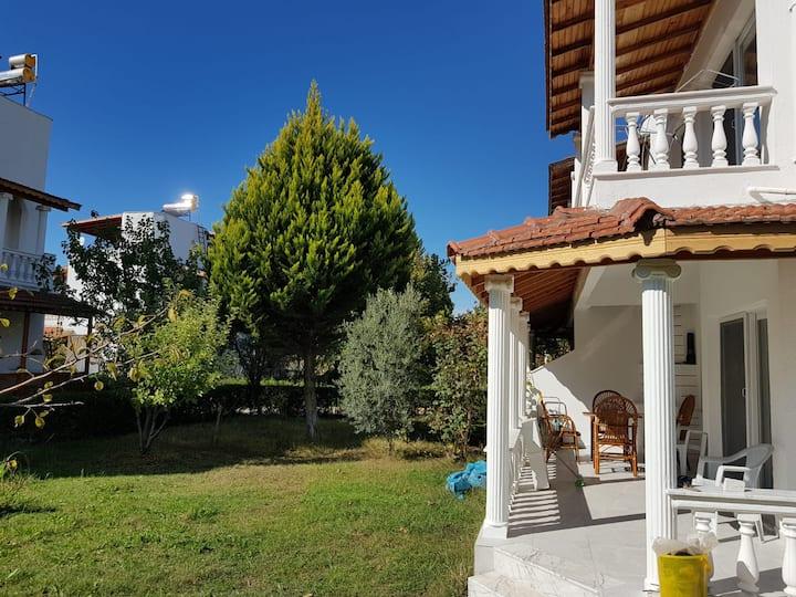 DİKİLİ - İZMİR 'de Müstakil Kiralık Villa