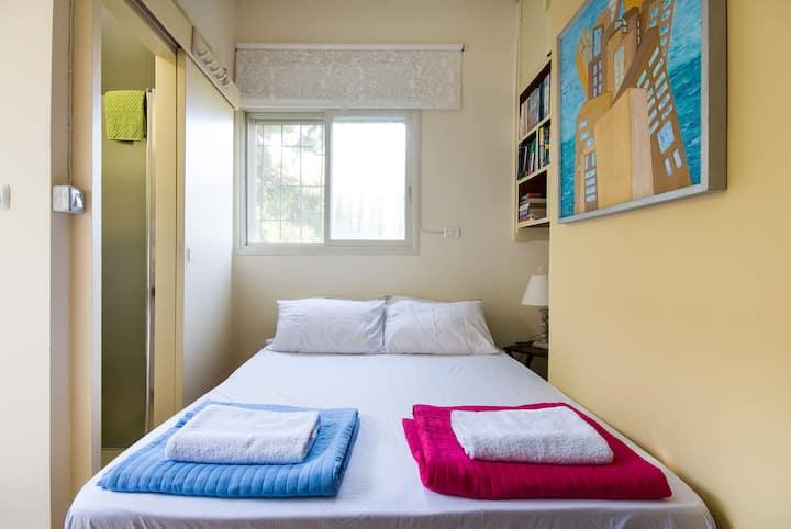 Centrally Located Peaceful Studio Apt. in Haifa