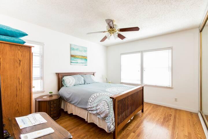 Private Bedroom in Sunny Camarillo, California