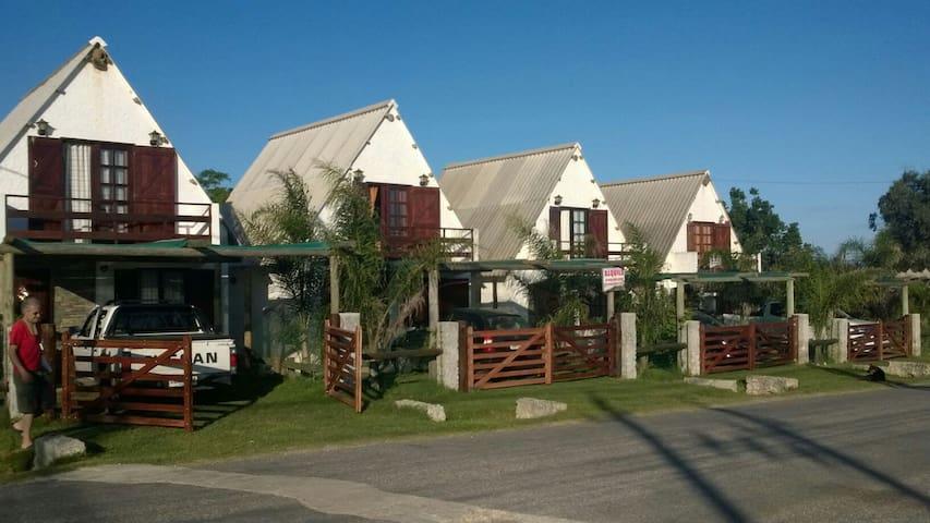 Cabaña en Arachania -Rocha-Uruguay - Arachania - Cottage