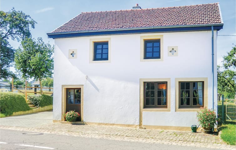 Holiday cottage with 2 bedrooms on 100m² in Colbette