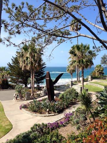 LAGUNA BEACH  March 24-30th - Laguna Beach