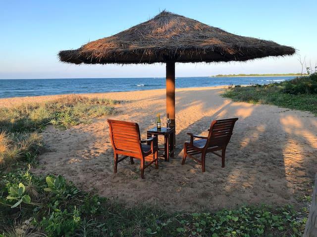 Sallitivu Guesthouse on the beach 2/3