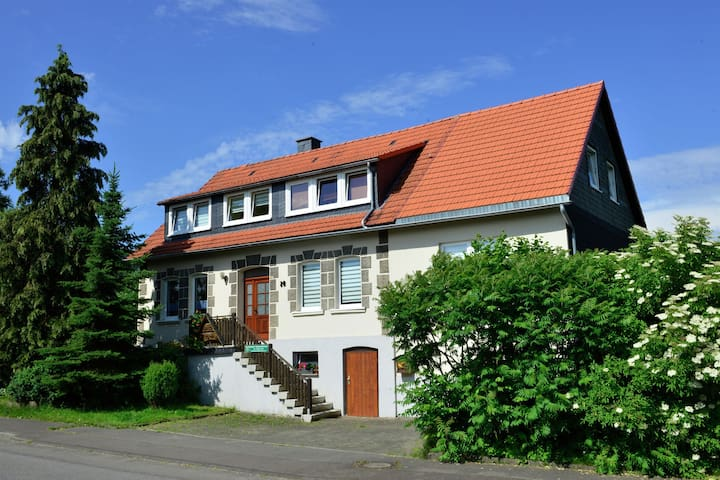 Large apartment in the Hochsauerland region in a quiet location with garden and terrace