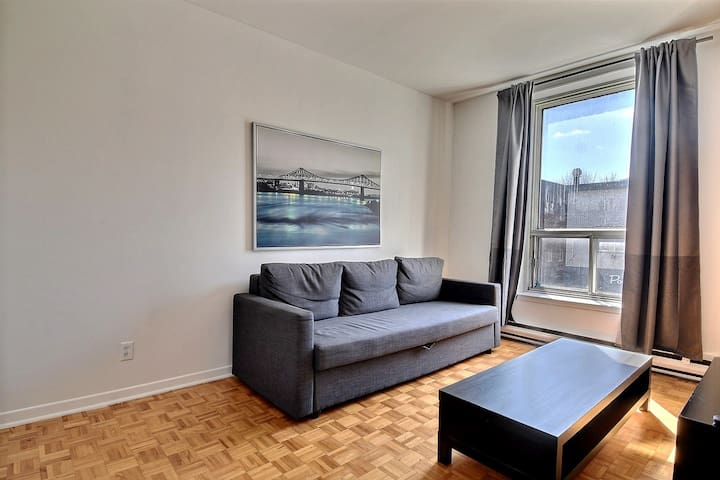 39B. COZY 4BR. FOR BIG GROUP. PERFECT LOCATION! - Montreal - Apartamento