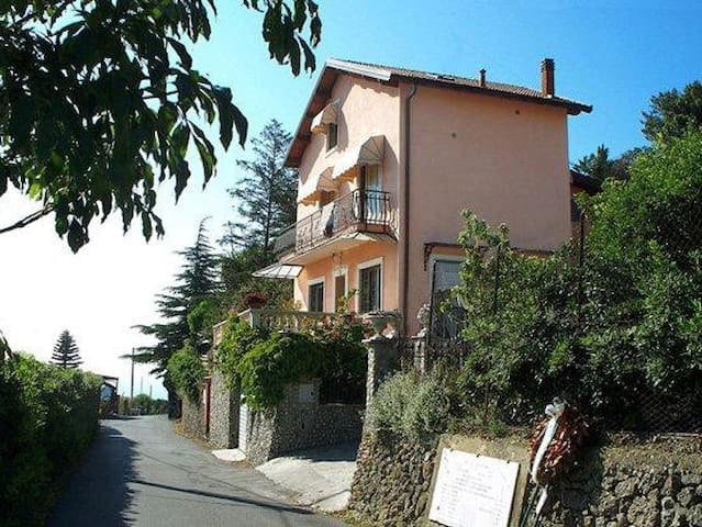camera matrimoniale - Ventimiglia - Bed & Breakfast