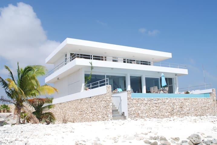 Private Beach, all rooms sea view - Kralendijk - House