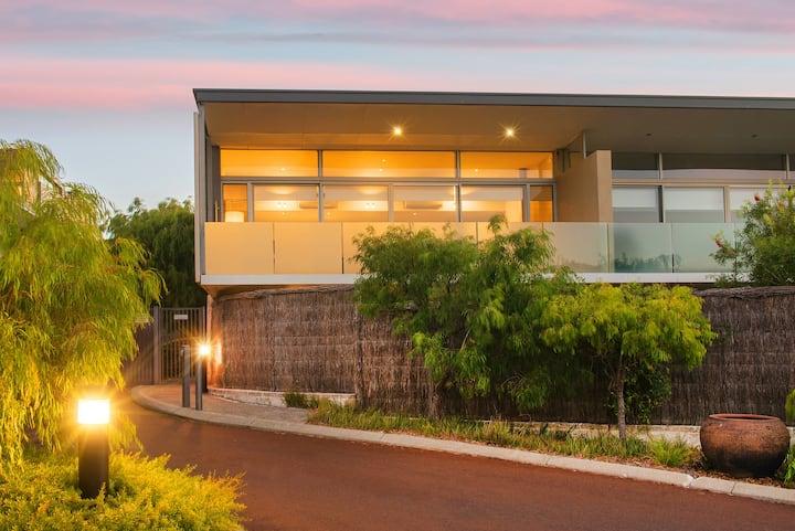 2 Bedroom Garden Villa @ Smiths Beach Resort