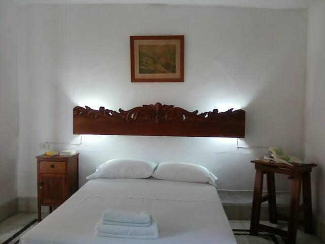 Sac Beh room downtown - Mérida - Casa