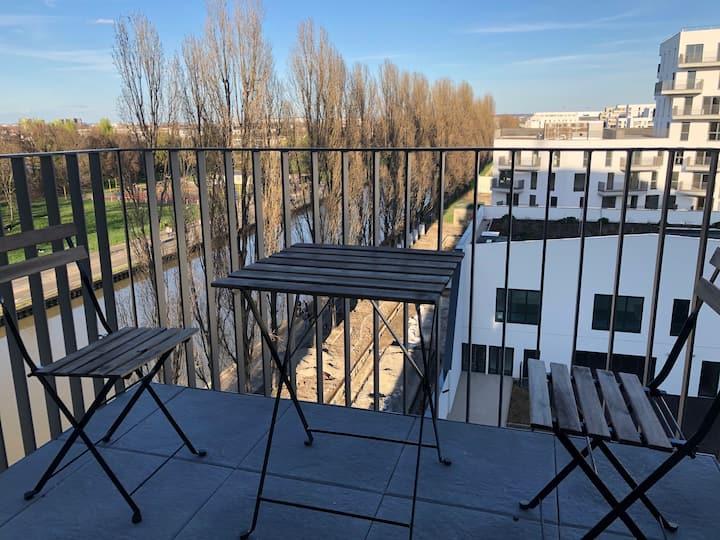 Appartement 3 pièces neuf au bord du canal