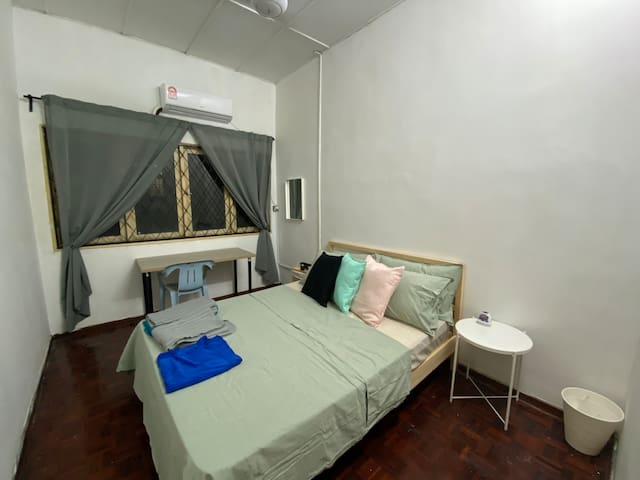 Cozy room at Kuala Lumpur. 3 mins to Train Station