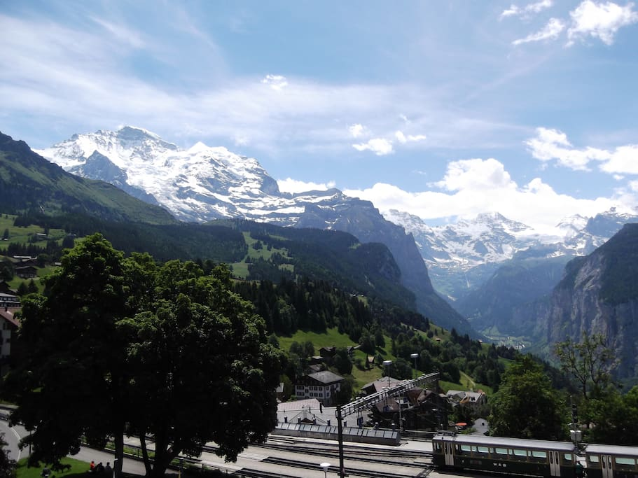 Wonderful open views to the Jungfrau & the Lauterbrunnen Valley.